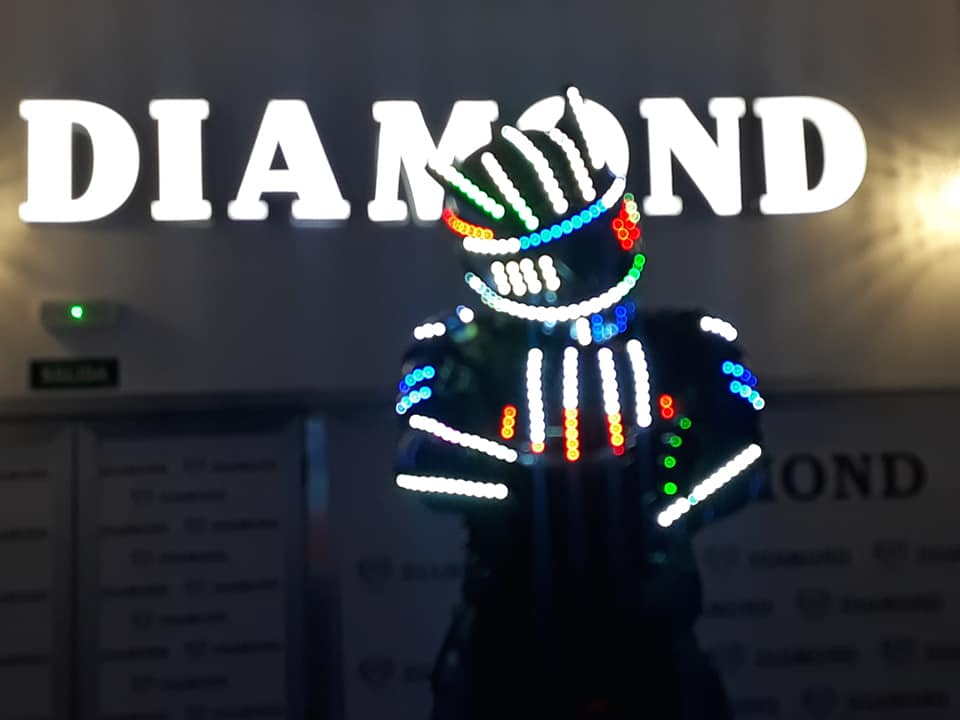 Show de Robot LED en Diamond